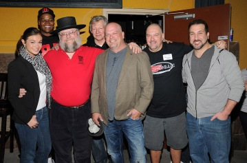 Frank Thomas, Rick from Pawn Stars and Joey Fatone all doing their part to raise money for St. Baldricks! These are good human beings!